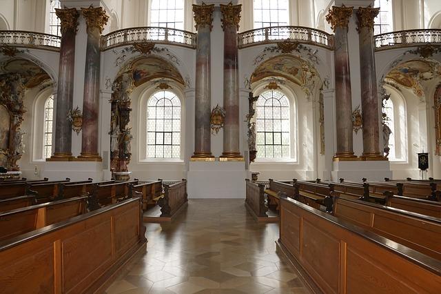 w kościele