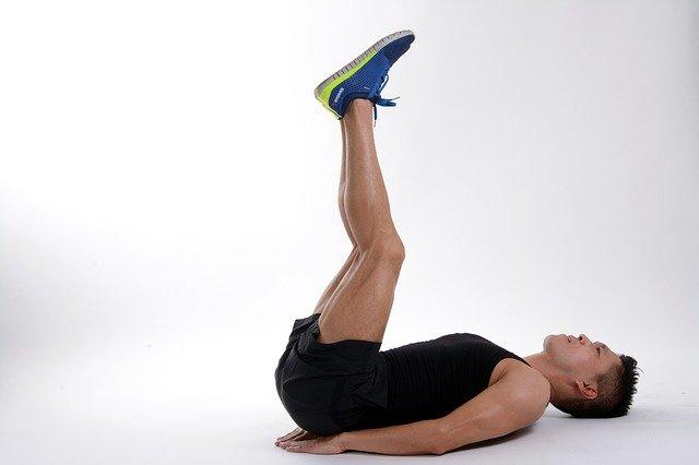 ćwiczenia bez siłowni na ziemi
